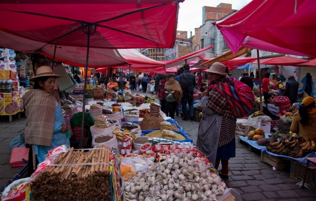 mercado_la_paz_bolivia_puestos_especias_rodriguez