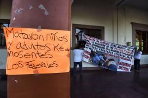 Los residentes protestan contra la violencia que sufre su comunidad en Apatzingan. Alfredo Estrella/AFP/Getty Images