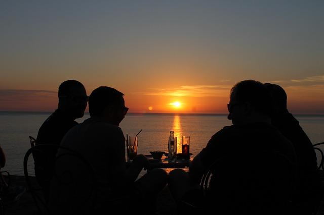 amanecer frente al mar