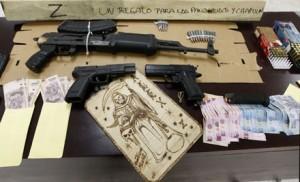 Armas, munición y dinero que pertenecía al cártel de los Zetas, México 2012. Julio Cesar Aguilar/AFP/Getty Images