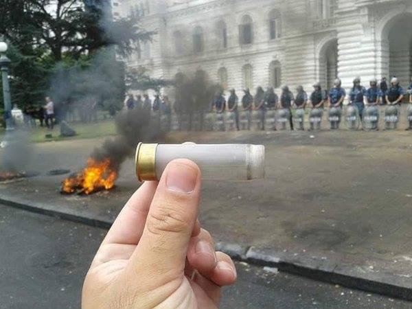 represión-La-Plata-balas